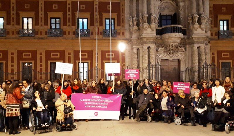 La Fundación CERMI Mujeres denuncia las esterilizaciones forzadas contra mujeres y niñas con discapacidad en un encuentro cívico en el Palacio de San Telmo