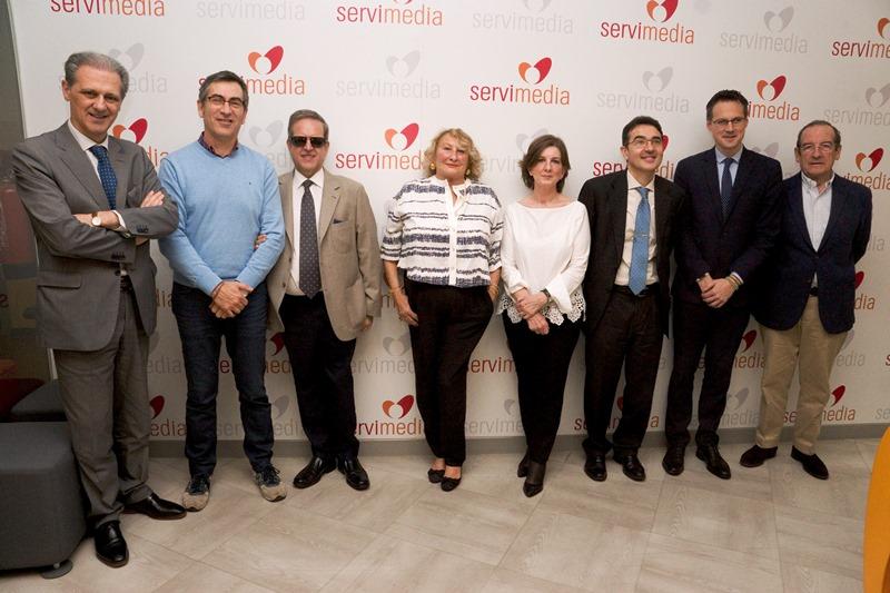 Maite Lasala, Premio cermi.es a la Trayectoria Asociativa, junto a algunos de los fundadores del CERMI