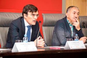 Alberto Durán, secretario general del CERMI y Pepe Álvarez, secretario general de UGT
