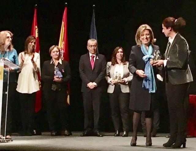 Ana Peláez recoge el galardón de la Fundación CERMI Mujeres por su lucha contra la violencia machista