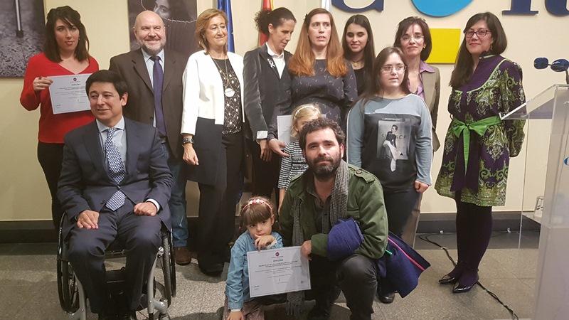 Presentada una exposición fotográfica en la Fundación CERMI Mujeres para denunciar la institucionalización de mujeres y niñas con discapacidad