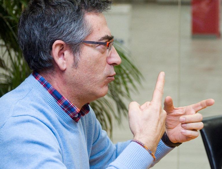 Luis Jesús Cañón Reguera, activista sordo
