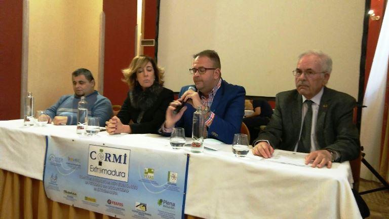 La alcaldesa de Logroño, Cuca Gamarra, asiste en el Parlamento de La Rioja al acto de lectura del manifiesto con motivo del Día Internacional de las Personas con Discapacidad