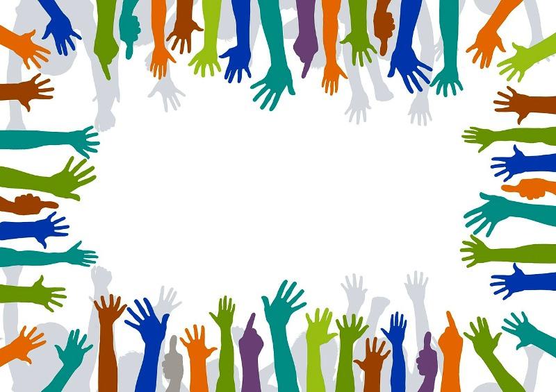 Diseño con un montón de manos de colores, manos voluntarias