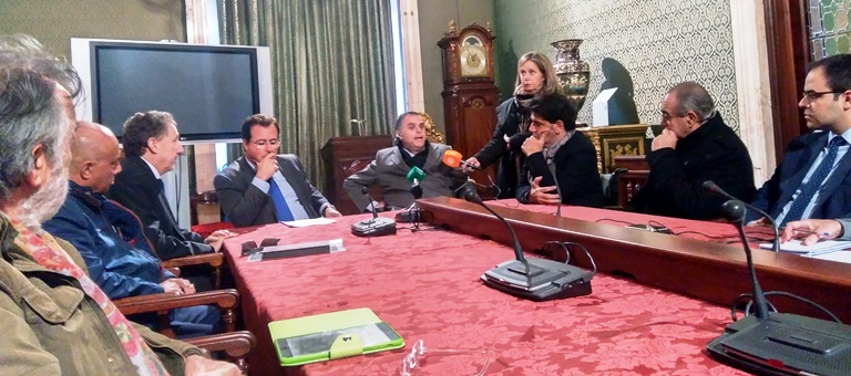 Andalucía supera la cuota mínima del 5 por ciento de taxis adaptados a las personas con discapacidad sobre el total de la flota
