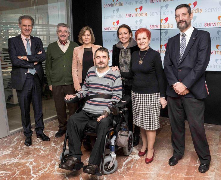 Foto de los participantes en la presentación del estudio