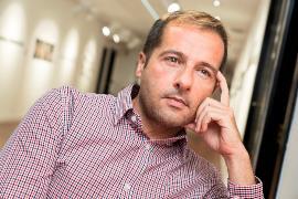 Jesús González Amago, autor de 'Re-inventarse. La doble exclusión: vivir siendo homosexual y discapacitado'
