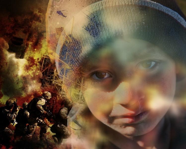 Primer plano de la cara de un niño o niña en un entorno bélico