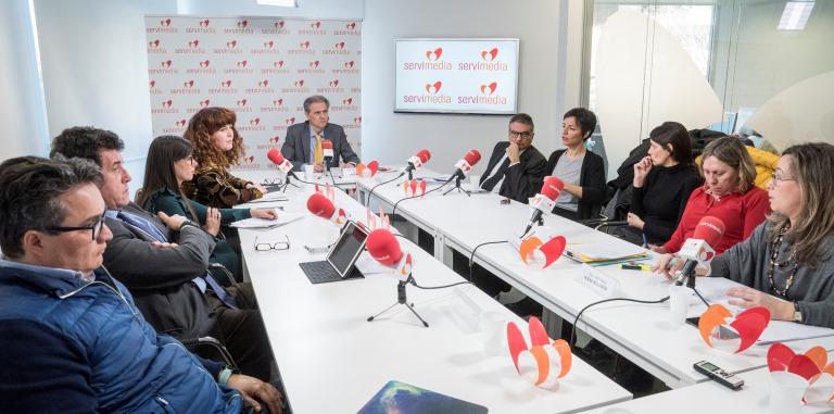 Imagen de los participantes durante la mesa redonda: Reclusos con discapacidad - Cuando la pérdida de libertad no es el único castigo