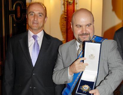Miguel Sebastián, ministro de Industria, Turismo y Comercio, junto a Luis Cayo Pérez Bueno, presidente del CERMI