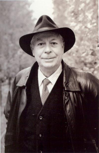 Antonio Carvajal, poeta