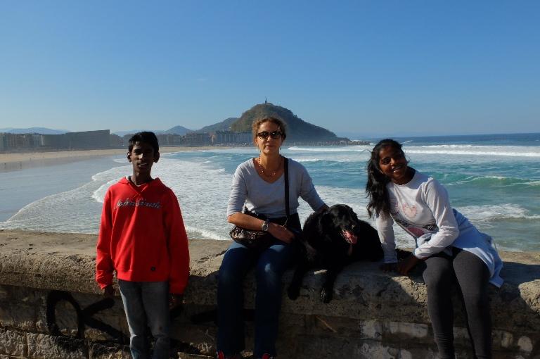 Paloma Pastor, presidenta de la Fundación Sin Daño y activista del daño cerebral infanto-juvenil con sus hijos