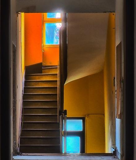 Escaleras de un edificio de viviendas