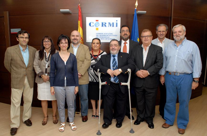 Foto de familia del jurado de los Premios cermi.es