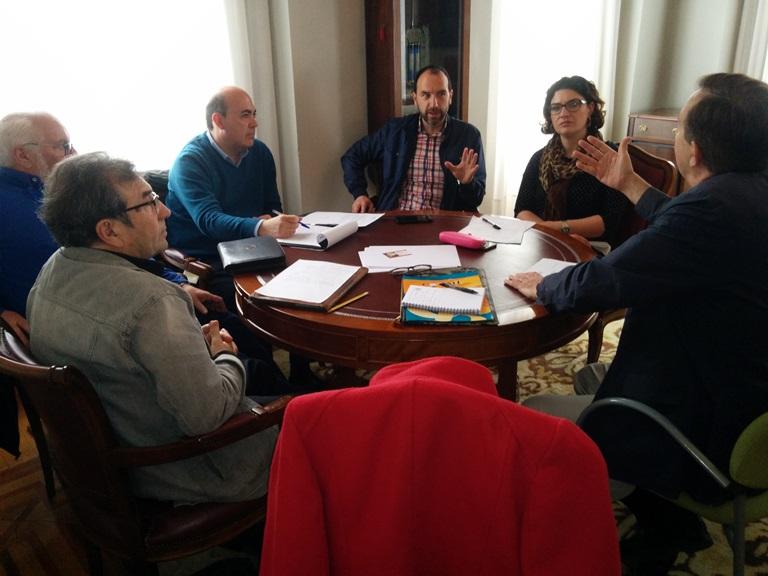 CERMI Asturias se reúne con Foro, PP e IU para abordar las reivindicaciones del sector de la discapacidad en el Principado