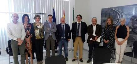 Continúan las reuniones para garantizar los derechos de las personas con discapacidad y de edad avanzada en el repostaje de combustibles y carburantes en Extremadura