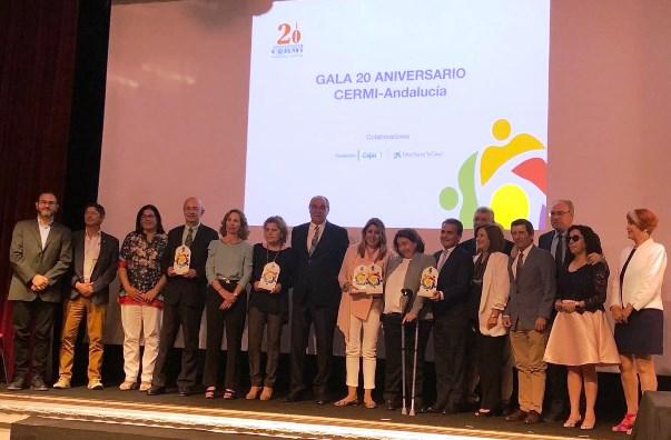 Foto de familia de los premiados en los Premios CERMI Andalucía 2018