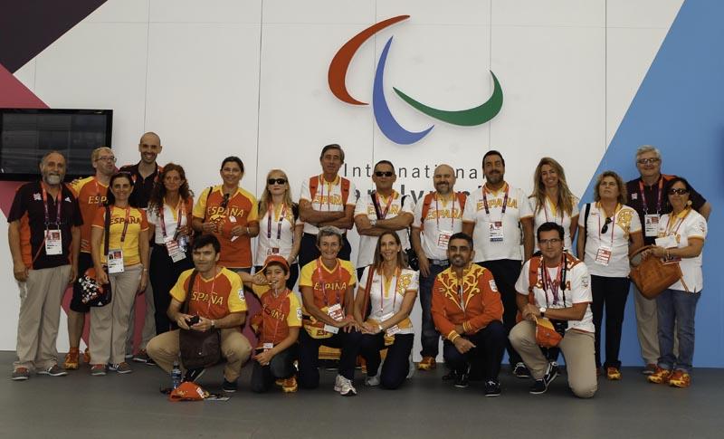 Representantes de ADOP, visitan a los deportistas españoles de los Juegos Paralímpicos