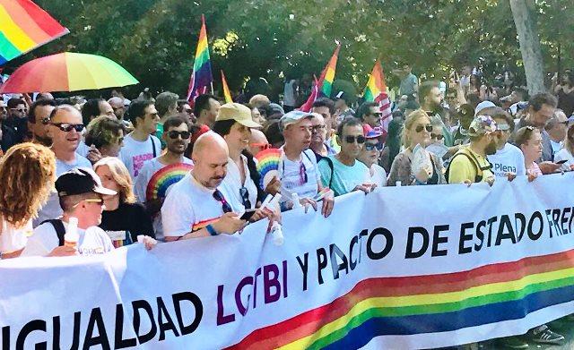 CERMI y Fundación CERMI Mujeres participan en la marcha del Orgullo LGTBI 2018 de Madrid