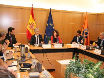 Una imagen de la reunión con Grande-Marlaska.