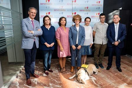 Foto de familia de la del CERMI sobre accesibilidad al cine