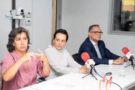 Mª Jesús Serna, Begoña Nieto y Ángel Luis Gómez, en la mesa del CERMI sobre accesibilidad al cine