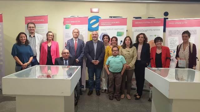 La sede del CERMI acoge la exposición sobre los 10 años de Unidis, el centro de atención a la discapacidad de la Uned