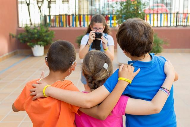 Niños y niñas sordos (Imagen de Fiapas)