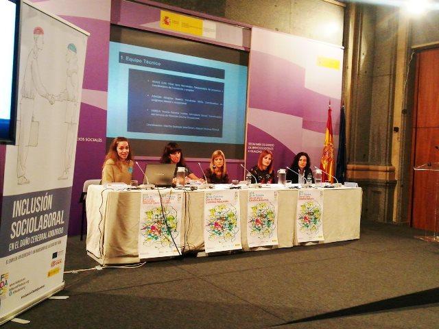 Profesionales explican su trabajo en la elaboración de la 'Guía metodológica de intervención y buenas prácticas en la inclusión sociolaboral de personas con DCA'