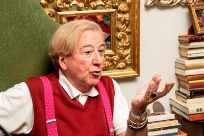 Luis Antonio de Villena, escritor