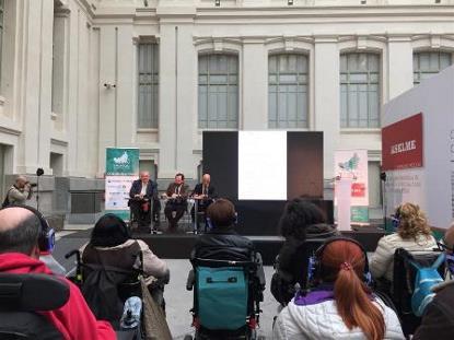 """Imagen de la inauguración de la jornada """"El papel de los usuarios en la sanidad de la cronicidad"""", de Aspaym Madrid"""