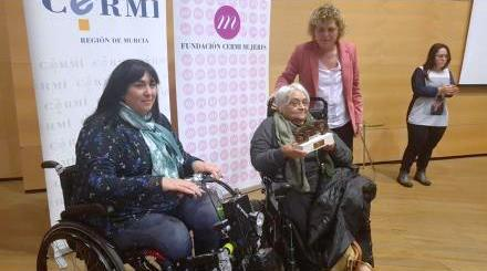 Pilar Ramiro, recibe el Premio cermi.es  en la categoría de Activista-Trayectoria Asociativa