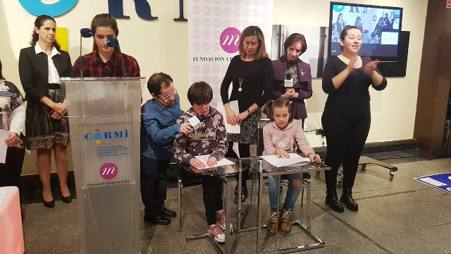 """Inauguración de la exposición fotográfica """"El derecho a la maternidad de las mujeres con discapacidad"""", de la Fundación CERMI Mujeres"""