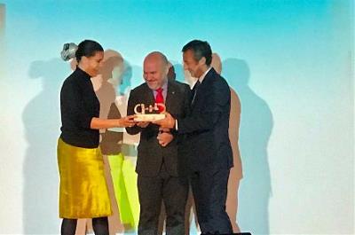 El CERMI entrega el 'Premio cermi.es 2018' a la Casa Encendida de la Fundación Montemadrid en la categoría Accesibilidad Universal-Fundación Vodafone España