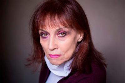 Annie Le Brun, poeta y crítica (foto de Philippe Matsas)