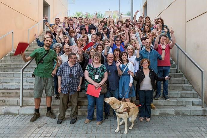 Foto de familia de los trabajadores del Instituto Municipal de Personas con Discapacidad de Barcelona