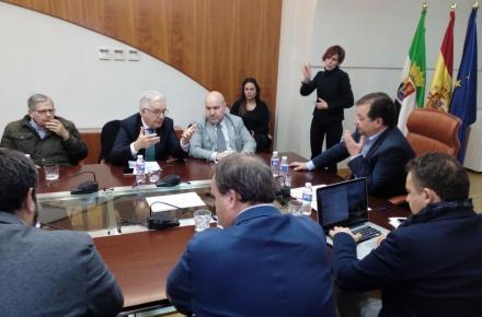 Reunión entre el CERMI y la Junta de Extremadura.