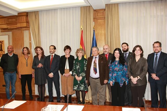 Delegación del CERMI junto a la ministra María Luisa Carcedo