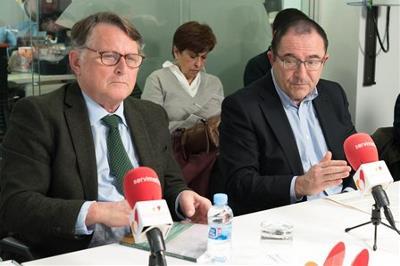 Paco Vañó, diputado del PP, y Javier Albor, responsable de Innovación Social de Fundación ONCE, en la mesa CERMI La soledad, la exclusión más terrible
