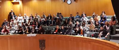 Asistentes al Parlamento de Aragón.
