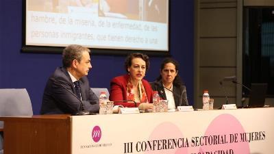 Zapatero, Magdalena Valerio y Ana Peláez