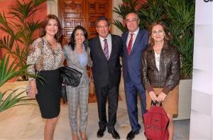Representantes del CERMI Andalucía con la presidenta del Parlamento andaluz, Marta Bosquet