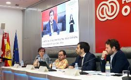 Imagen de los participantes en una mesa de debate y la clausura de la jornada 'La agenda política europea de la discapacidad en la UE 2019-2024'