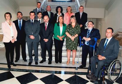 Foto de familia en el Senado, durante la conmemoración de los 15 años del CERMI