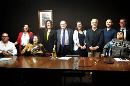 El Servicio Extremeño de Salud y CERMI Extremadura profundizan en la atención a las personas con discapacidad