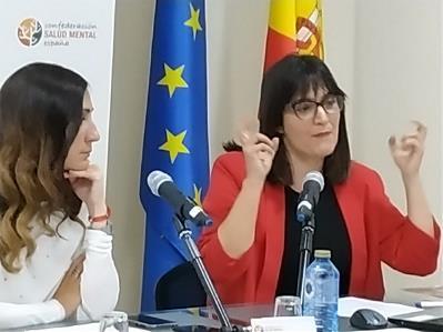 Patricia Cuenca presentando su publicación en el seminario organizado por el CERMI 'Personas con discapacidad en el medio penitenciario: una visión de derechos humanos'