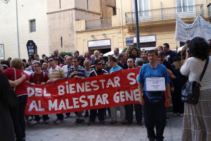 Miles de personas con discapacidad se concentran en Valencia contra los recortes y los impagos en las entidades del sector