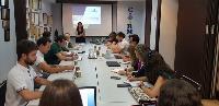 Reunión de trabajo para mostrar los avances en el desarrollo de la aplicación 'Me respetas'