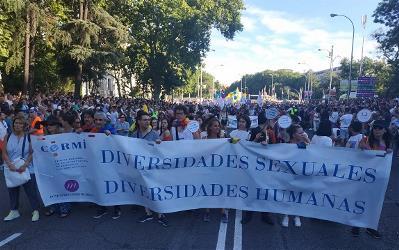 Pancarta del CERMI y FCM pasado La Cibeles