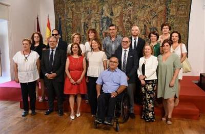 El Gobierno de Castilla-La Mancha firma un acuerdo con el CERMI CLM para la mejora de la atención a las personas con discapacidad en la región